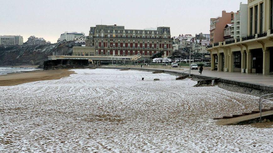 La neige sur la grande plage de Biarritz, (archive, février 2005)