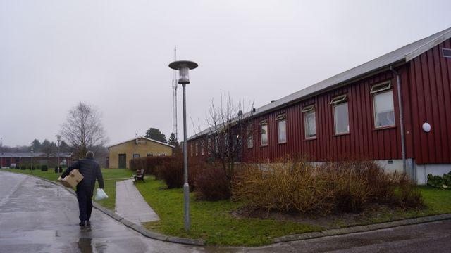 Dans la journée, les détenus circulent librement entre les bâtiments de la prison de Horserød