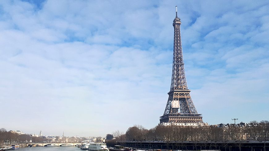 Paris star d'une série Netflix.
