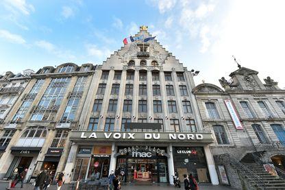 La façade de l'immeuble du siège de La Voix du Nord à Lille, 8 place du général-de-Gaulle.