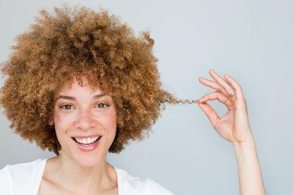 Qu'est-ce que nos coiffures racontent de nous, de notre identité, de notre rapport aux autres ?