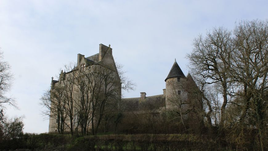 """Le château du Bouchet est surnommé """"le géant de la Brenne"""""""