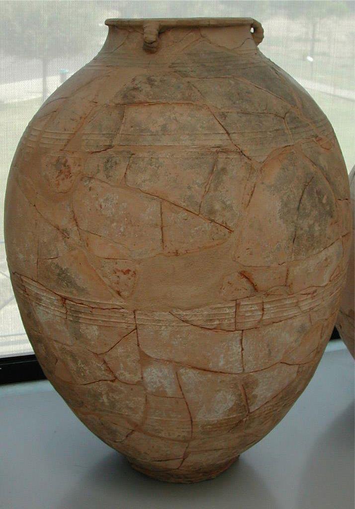 Jarre à huile de Broglio di Trebisacce, Calabre. XIIIè siècle  avant J.-C. Document présenté par jean-Pierre Brun au Collège de France