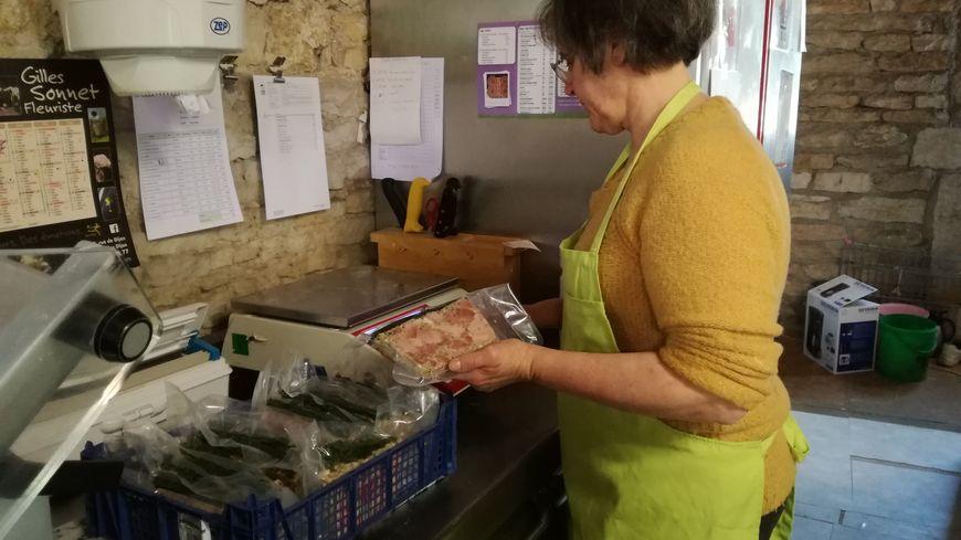 Véronique va tenir une épicerie collective au Salon de l'agriculture