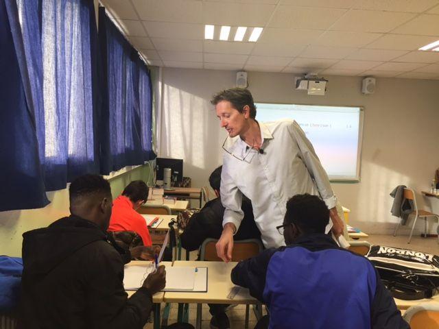 Dominique Resch avec ses élèves