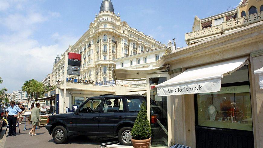 539419a18f62 Tentative de braquage à la bijouterie Van Cleef and Arpels à Cannes