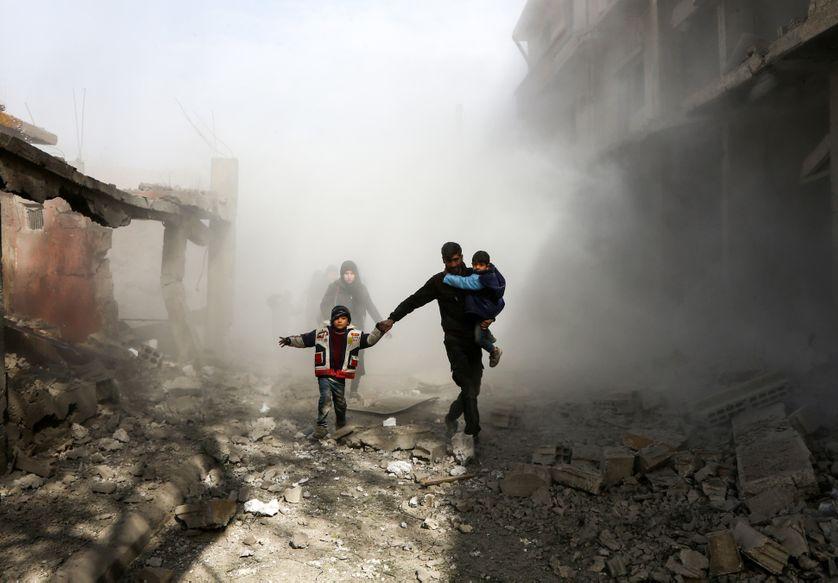 Des civils syriens en fuite, le 8 février 2018