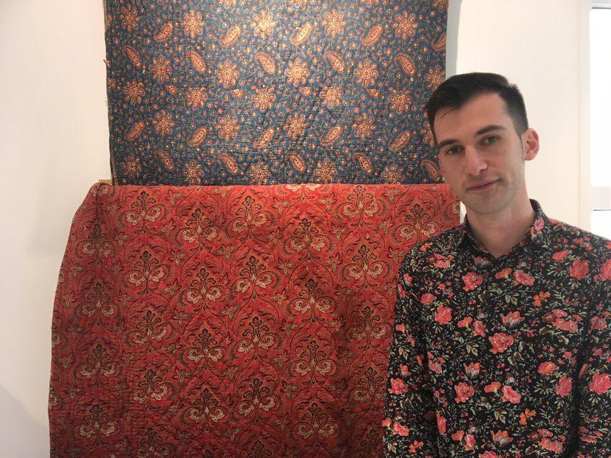 Nicolas Granier, vendeur à la boutique Souleiado de Nîmes
