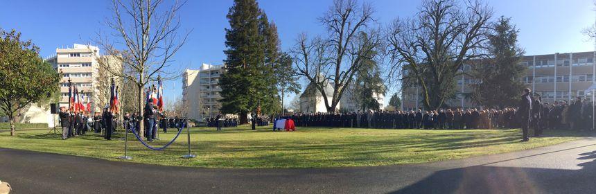 Des centaines de gendarmes ont rendu un hommage au major décédé en service.