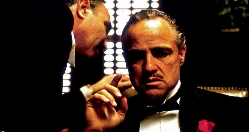 """Don Corleone,  interprété par Marlon Brando dans le film de Francis Ford Coppola """"Le parrain""""."""