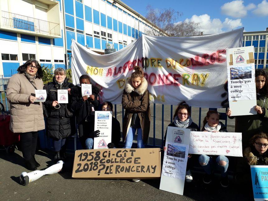 Les parents d'élèves du collège Ronceray se mobilisent pour sauver leur établissement