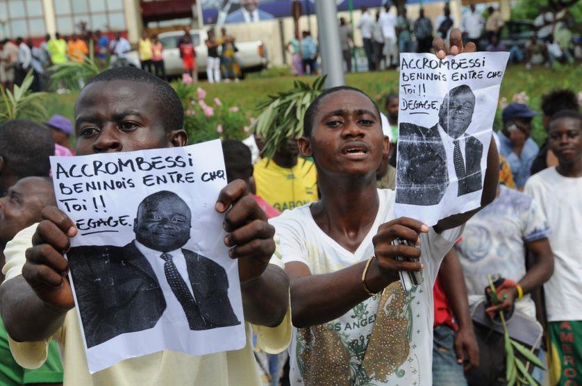 Manifestations contre Maixent Accrombessi à Libreville au Gabon, le 4 mai 2011.