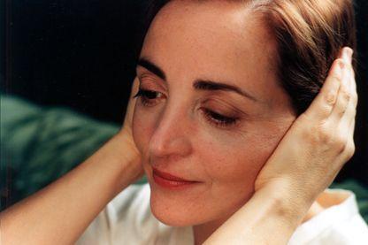 """Dominique Blanc (image tirée de """"La Plage noire"""", Michel Piccoli 2001)"""