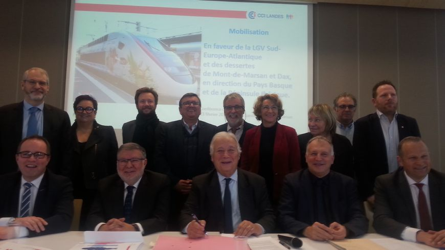 Les élus landais et les représentants du monde économique régional demandent ensemble au gouvernement de respecter l'engagement de l'Etat pour la réalisation de la LGV Bordeaux Dax