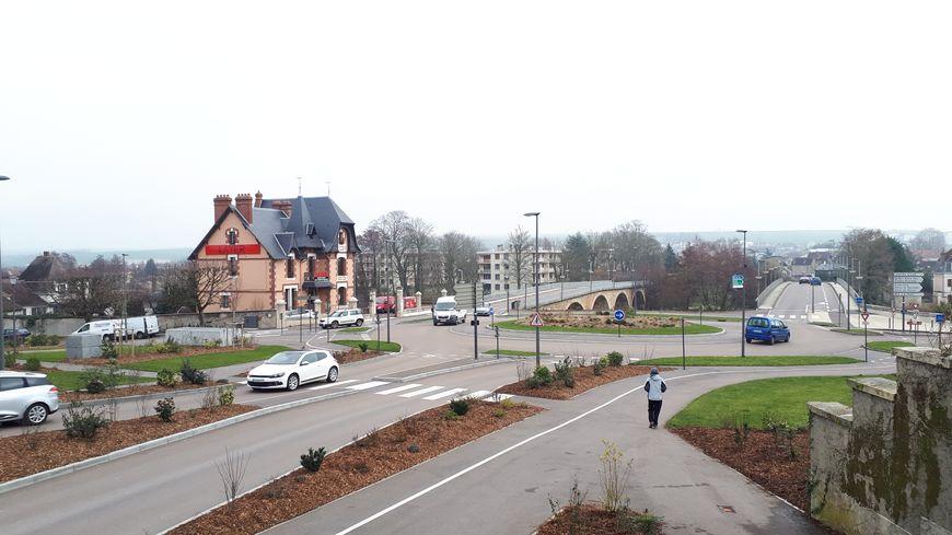 Le rond-point de la chaînette à Auxerre a coûté 500 000 euros.