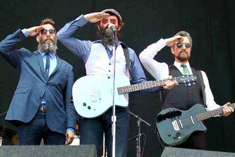 Eels lors d'un concert à Musilac enjuillet 2011