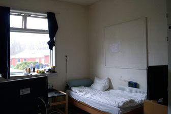 À Horserød, les détenus sont enfermés dans leur cellule de 21h à 7h du matin