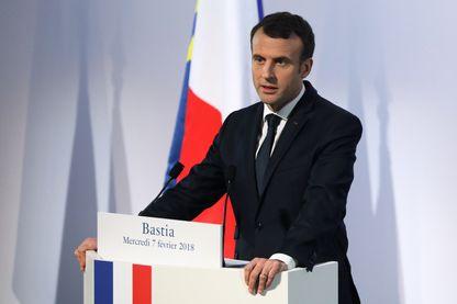 Le président français Emmanuel Macron prononce un discours au centre culturel Alb'Oru à Bastia, sur l'île méditerranéenne française de Corse, le 7 février 2018.