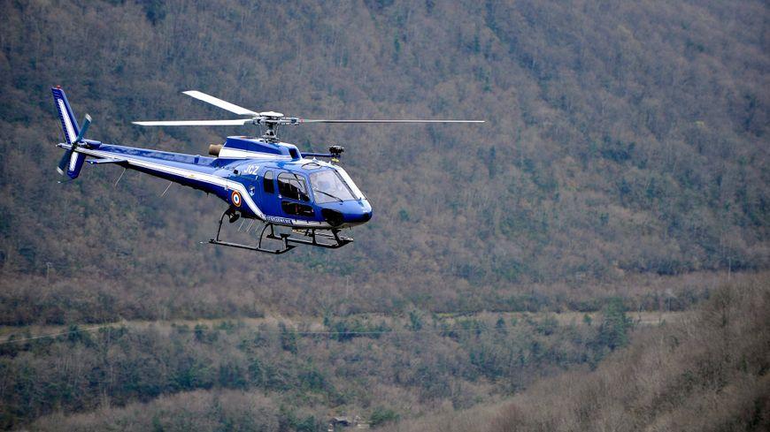 Un hélicoptère de la Gendarmerie de Mérignac a survolé Biscarrosse pendant plus d'une demi-heure à la recherche de l'octogénaire disparu