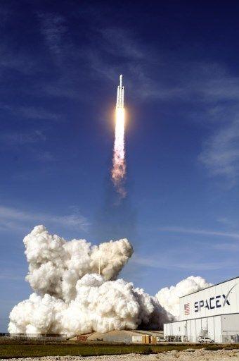 La société américaine SpaceX a réussi, hier, son pari de faire décoller la fusée Falcon Heavy