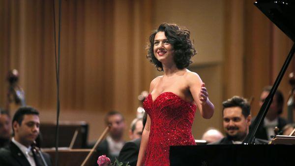 Le Concerto pour piano n°2 de Rachmaninov par Khatia Buniatishvili & Mikko Franck