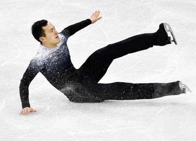Chute de Patrick Chan (du Canada) lors de l'épreuve de patinage artistique aux Jeux olympiques d'hiver de Pyeongchang, le 9 février 2018