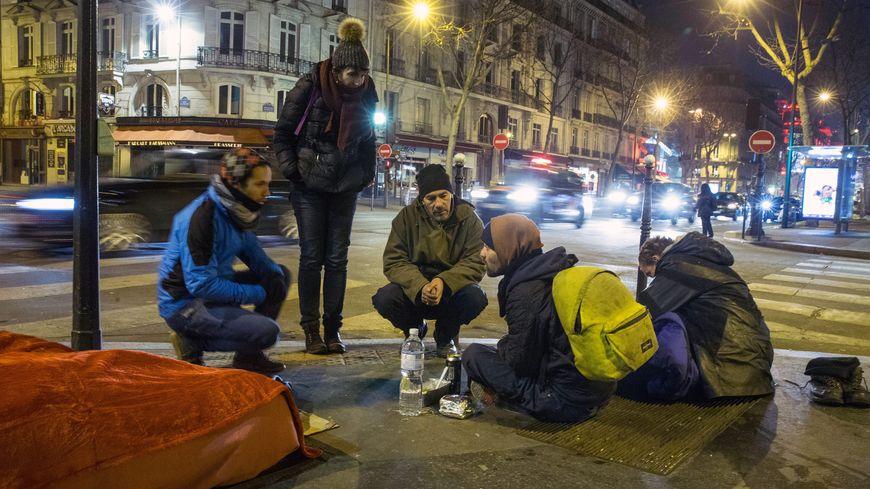 Près de 2.000 personnes vont recenser les sans-abri à Paris durant la Nuit de la Solidarité.