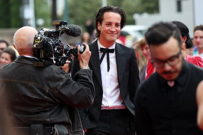 Marlon Williams, auteur-compositeur-interprète, arrive au Vodafone New Zealand Music Awards le 19 novembre 2015 à Auckland, en Nouvelle-Zélande.
