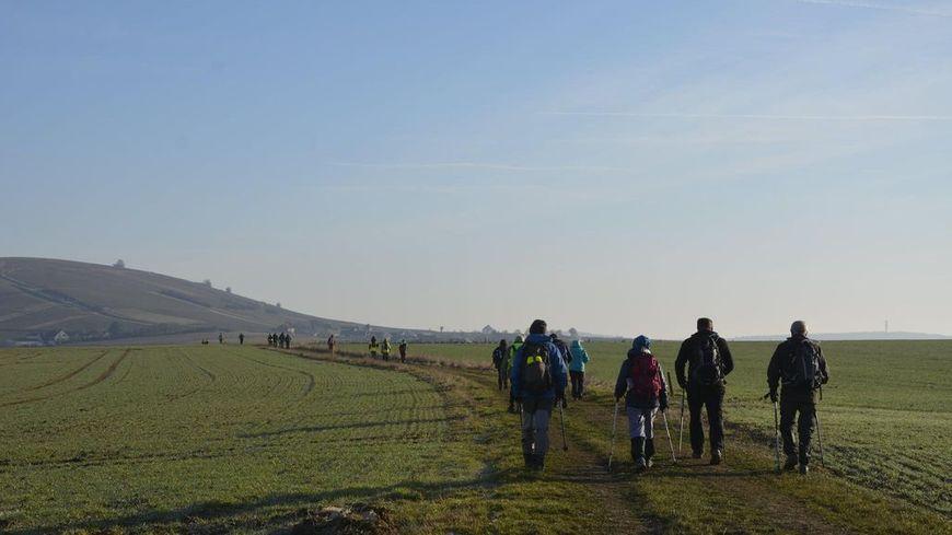 L'arrivée dans le sancerrois au lever du jour après 56km de randonnée