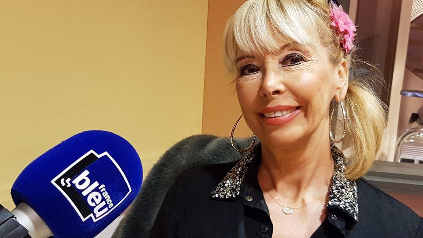 Marie-Christine Vincent, dans les studios de France Bleu Vaucluse.