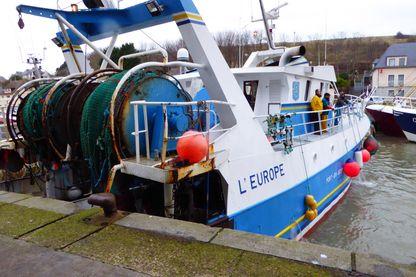 A Port-en-Bessin, un millier de personnes vivent des diverses ressources de la pêche