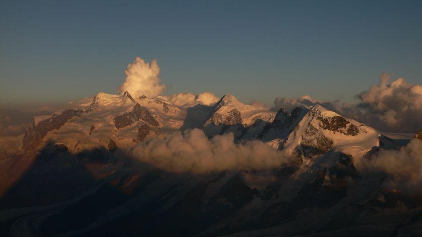 Expédition depuis le sommet du Cervin vers le Mont Rose