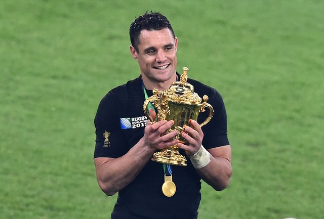 Dan Carter en 2015, lors de la victoire de la Nouvelle-Zélande en finale de la Coupe du monde de rugby.