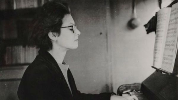 Elsa Barraine à Paris en 1958 (1/5)