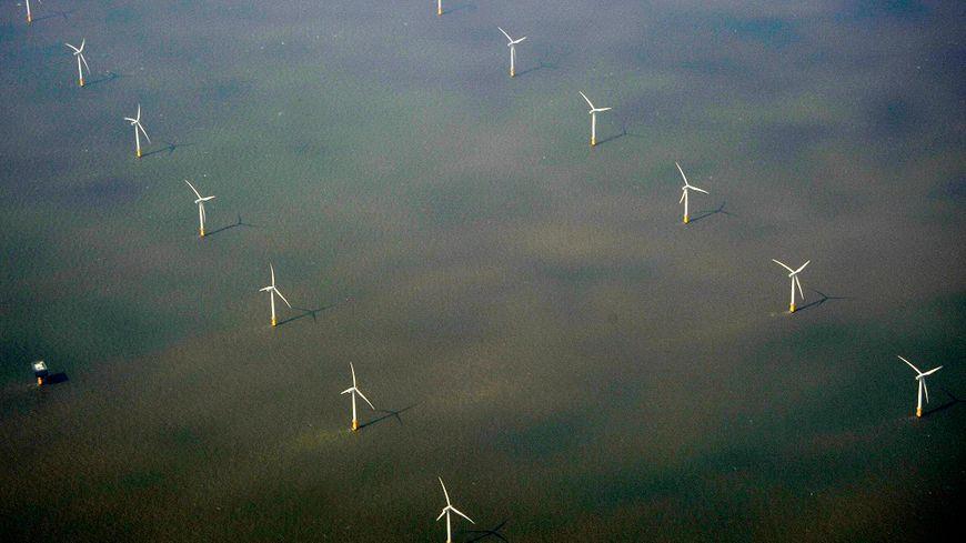 Le projet de Dieppe-Le Tréport prévoit la construction de 62 éoliennes en mer pour une mise en service d'ici 2021 (illustration).