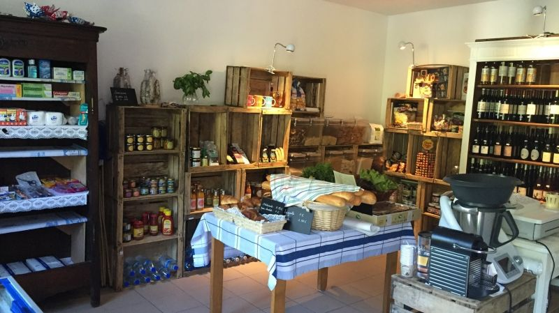 L'actuelle épicerie de l'écluse à Saint-Nicolas-des-Eaux