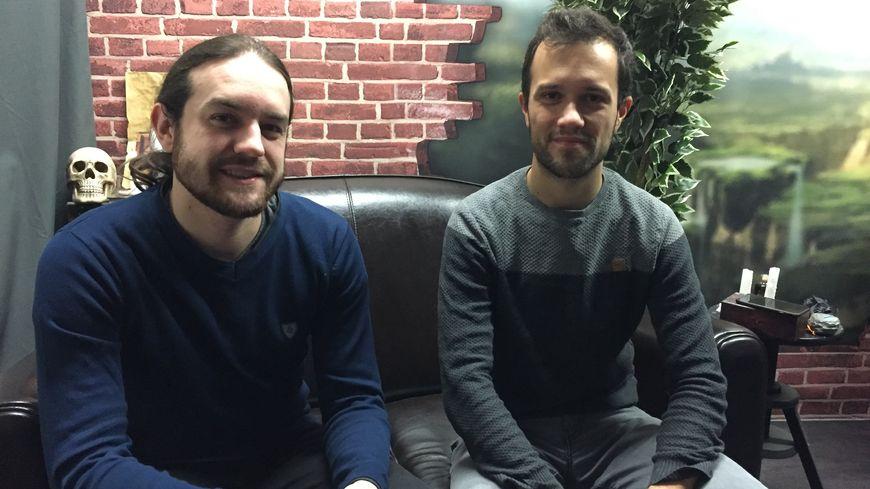 Julien et Florian, deux des trois co-fondateurs de la chaîne Youtube Mamytwink.