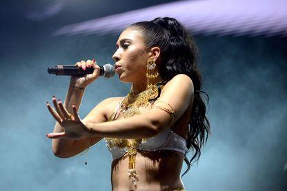 Kali Uchis en concert en 2017 en Californie