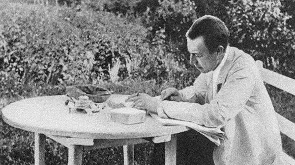 Serge Rachmaninov en train de corriger son Concerto pour piano n°3 à Ivanovka