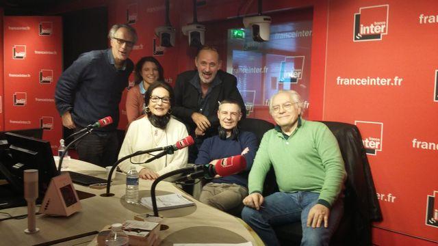 Vous Les Femmes, de gauche à droite, Hervé Pauchon, Juliette Hersent,Nana Mouskouri, Daniel Morin, Anthony Bellanger, Albert Algoud.