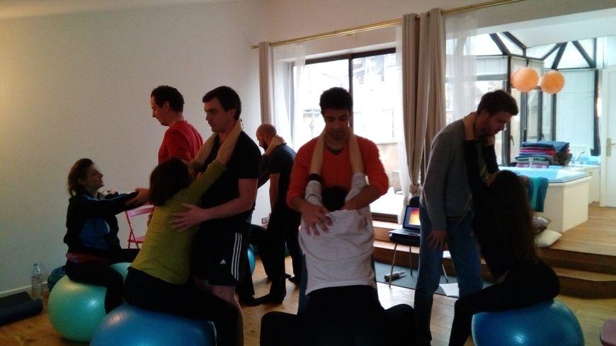 Le yoga en couple pour préparer l'accouchement