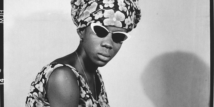 Mademoiselle Kadiatou Touré avec mes verres fumés, 1969.