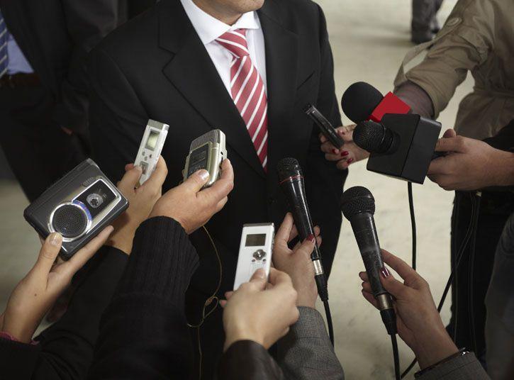 Médias et fabrication de l'opinion politique