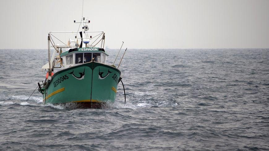 Un chalutier en mer (image d'illustration).