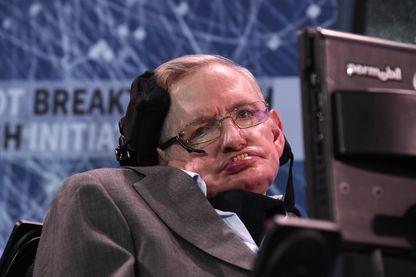 Stephen Hawking était le scientifique le plus connu au monde, une rock star mondiale, qui portait un message d'une puissance colossale.