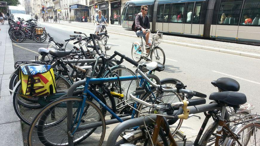 A vélop, cours Pasteur à Bordeaux