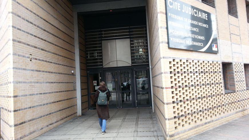L'entrée du tribunal correctionnel de Dijon où était jugée l'affaire