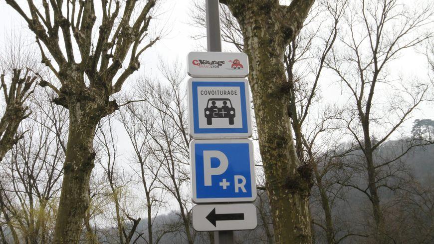 Le covoiturage peut être une solution pour se déplacer malgré la grève SNCF.