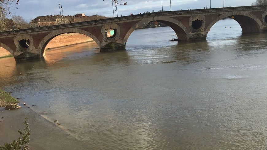 La Garonne déborde au Pont Neuf à Toulouse le 21 février