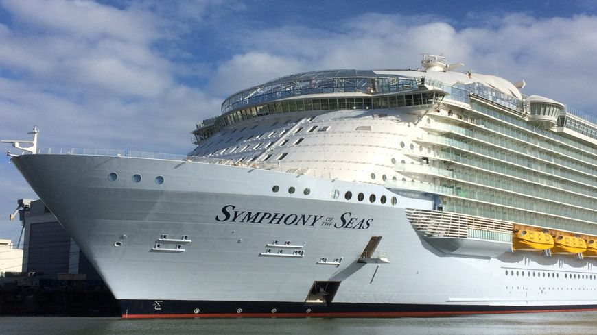 Le Symphony of the Seas va quitter définitivement son bassin d'armement